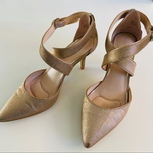 Kelly & Katie Maryrae Gold Point Toe Heels 9.5